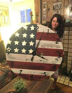 Whip up creative patriotic crafts with ordinary materials like palettes, twigs, fabric etc. Go through our gallery of patriotic craft ideas to make innovative crafts. Pallet Crafts, Pallet Art, Wood Crafts, Pallet Clock, Pallet Ideas, Repurposed Furniture, Pallet Furniture, Furniture Ideas, Luxury Furniture