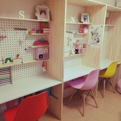 こんな机で勉強したかった!?おしゃれな勉強机のあるインテリア♪ | RoomClipMag | 暮らしとインテリアのwebマガジン