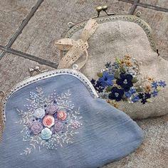 #Embroidery#stitch#needle work #프랑스자수#일산프랑스자수#자수#자수타그램#자수소품 # 시원느낌~스카이블루 자수 빅 프레임 손지갑