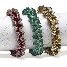 Ruffled bangle: right-angle weave and two-drop peyote - Bead Magazine free PDF here: http://bnb.jewelrymakingmagazines.com/~/media/import/files/pdf/9/5/d/bnb-ons0808_.pdf    #Seed #Bead #Tutorials