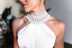 "104 likerklikk, 4 kommentarer – KAREN WILLIS HOLMES (@kwhbridal) på Instagram: ""LAYNE // Modern and minimalist this delustered satin bias cut gown features a high neck with…"""