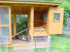 One of the best DIY coops (with photos and instructions) that I've found. Can't wait to build one!