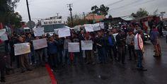 Protestan transportistas afuera donde el Alcalde dará su Informe