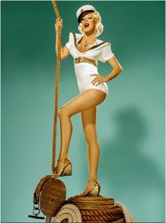 i wanted to be a pin up girl for halloween... couldnt find one i like.. got my idea for next year. :)