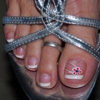 nails Cute Winter Nails summer manicure and pedicure ideas Cool Nail Design Ideas Sunflower nail art Pedicure Nail Art, Toe Nail Art, Nail Art Diy, Pedicure Ideas, Mani Pedi, Nail Deaigns, Red Pedicure, Wedding Pedicure, Nail Ideas