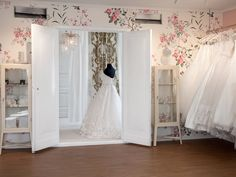 Feeling like a princess trying on dresses at Belle Amie Brudesalong. We pride ourselves to offer best in class service at our boutique. Beautiful Villas, Business Help, Dreaming Of You, Boutique, Wedding Dresses, Pride, Success, Princess, Bride Dresses