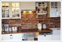 BGStyl(e): Interier měsíce - Únor (mezonet v pivovaru) Kitchen Cabinets, Kitchen Brick, Furniture, Design, Lofts, Home Decor, Kitchen Ideas, Houses, Cooking