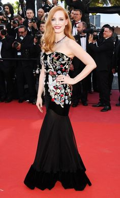 Jessica Chastain at the Cannes Film Festival 2017 Glamour Hollywoodien, Hollywood Glamour, Jessica Chastain, Celebrity Outfits, Celebrity Style, Fashion 2017, Fashion Dresses, Alexander Mcqueen, Hollywood Red Carpet