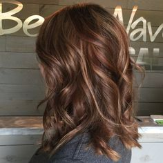 Cinnamon and Rouge highlights! - All For Hair Color Trending Blonde Balayage Highlights, Hair Color Highlights, Hair Color Balayage, Hair Color For Black Hair, Brown Hair Colors, Ombre Hair, Carmel Highlights, Brown Highlights, Cinnamon Brown Hair