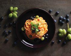 블루베리냉파스타 - 블루베리와 청포도를 곁들인 냉파스타. 치즈와 요구르트를 더해 더욱 상큼하고 고소한 맛이 난다.