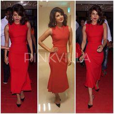 A screening/premiere of Dil Dhadakne Do was held at Delhi last night. Priyanka Chopra made a stellar ebtry in red Victoria Beckham dress.