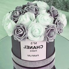 Chanel Birthday Party, Chanel Party, Chanel Cake, Cake Birthday, Girl Birthday, Chanel Bedroom, Chanel Flower, Glamour Decor, Glamour Cake