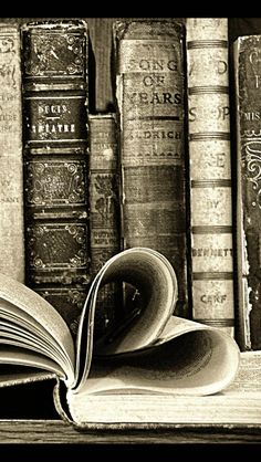 Old Books Wallpaper – Smile Images Old Books, Vintage Books, Book Photography, Creative Photography, Sparkler Photography, Book Wallpaper, Wallpaper Gallery, Romance And Love, World Of Books