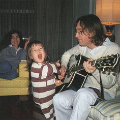 Yoko Ono, Sean Lennon and John Lennon John Lennon And Yoko, Julian Lennon, Beatles Photos, The Beatles, Need Somebody To Love, John Lenon, Roxy Music, Give Peace A Chance, Yoko Ono