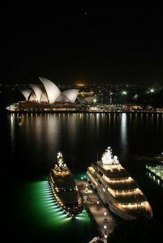 #NewYear's Eve on a #yacht? Let's party! #SydneyOpera