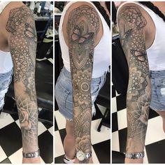 Last session today on feminine geometric/mandala sleeve :) Diy Tattoo, Fake Tattoo, Bad Tattoos, Body Art Tattoos, Girl Tattoos, Tattoo Art, Tatoos, Feminine Tattoo Sleeves, Feminine Tattoos
