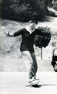 Katherine Hepburn skateboarding, 1967 (photo by Hepburn's nephew, Jack Grant)