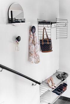 String Shelf hallway Hallway Shelving, Entryway Shelf, Entryway Organization, Entryway Decor, String Shelf, String System, My Living Room, Living Room Furniture, Small Hall