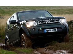 Land Rover Discovery 4 off-roading