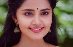 Kareena Kapoor, Priyanka Chopra, Deepika Padukone, Beautiful Girl Indian, Beautiful Indian Actress, Beautiful Actresses, South Film, Anupama Parameswaran, Saree Blouse Patterns