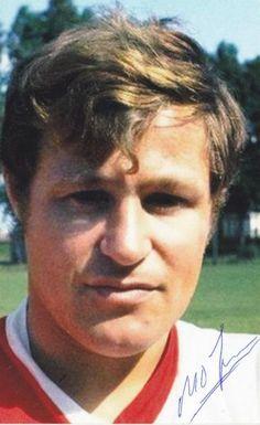 Rinus Israël, bekend oud-Feyenoord en Nederlands elftal speler uit jaren '66 tot '74. Samen met Feyenoord speler Theo Laseroms waren de twee het bekende tandem in de verdediging van zowel bij Feyenoord alsook het Nederlands elftal in die jaren.