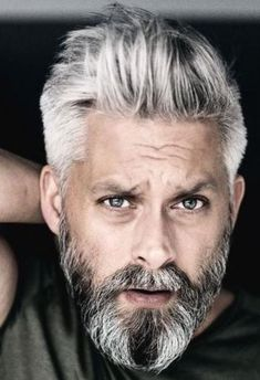42 Hairstyles for Men with Silver and Grey Hair – Men Hairstyles World – Men's Hairstyles and Beard Models Best Hairstyles For Older Men, Haircuts For Men, Men Hairstyles, Beard Styles For Men, Hair And Beard Styles, Long Hair Styles, Long Gray Hair, Men With Grey Hair, Blue Hair