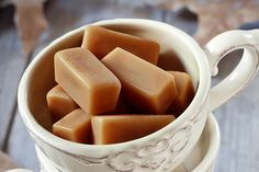 Recette de caramel mou au beurre salé au Thermomix TM31 ou TM5. Préparez ce dessert en mode étape par étape comme sur votre Thermomix !