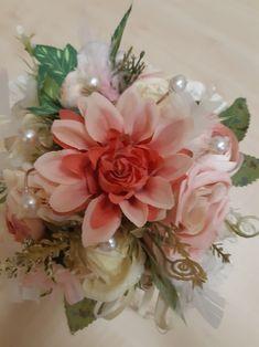 Handmade Products, Floral Wreath, Wreaths, Home Decor, Floral Crown, Decoration Home, Door Wreaths, Room Decor, Deco Mesh Wreaths