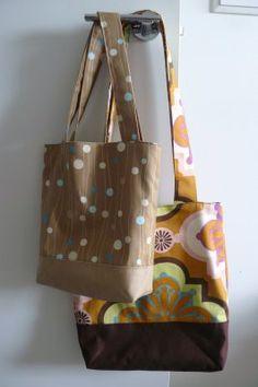 Tote Bag Tutorial modified fromhttp://cicadadaydream.blogspot.com/2009/02/fat-quarter-tote-bag-tutorial.html