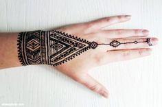 Henna Design Ideas – Henna Tattoos Mehendi Mehndi Design Ideas and Tips Henna Tattoos, Henna Ink, Henna Mehndi, Forearm Tattoos, Finger Tattoos, Sleeve Tattoos, Mehndi Art, Foot Tattoos, Tribal Tattoo Designs