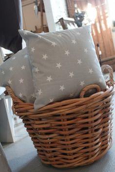 Tähti tyynynpäällinen harmaa. 17,50€