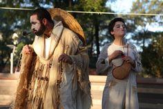 """Grupo Chão de Teatro apresenta """"Ruas de Barros"""" no Bosque Maia"""