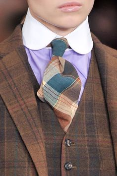 #round collar, #club collar, touchofstyle:  Menswear + woman`s lips = Perfect combo!