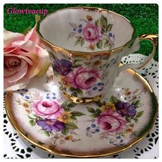 Elizabethan pink roses tea cup and saucer