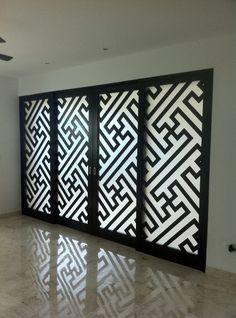AIMEX: ACCESORIOS INMOBILIARIOS DE MÉXICO  puerta Principal con cristal esmerilado y madera de cedro....  diseño
