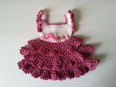 szydełkowa sukienka dla niemowlaka, crochet newborn dress, video tutorial Crochet Toddler Dress, Crochet Dresses, Crochet Videos, Baby Dress, Crochet Earrings, Clothes, Tutorial Crochet, Video Tutorials, 3 Months