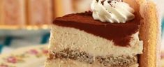 Still looking for the perfect dessert to cap off Valentine's Day and share with your sweetheart? Well, look no further! We've found the perfect one, and it combines two of the most decadent and romantic desserts out there: cheesecake and tiramisu! Tiramisu Cheesecake, Cheesecake Recipes, Tiphero Recipes, Gourmet Recipes, Dessert Recipes, Gourmet Foods, Dessert Ideas, Romantic Desserts, Bigger Bolder Baking