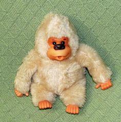 "Vintage 1978 Russ GONGA 8"" Cream Plush Stuffed GORILLA Ape Monkey Both Thumbs #RussBerrie"