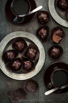 Almond Praline Chocolate Rochers - Homemade Ferrero Rochers!