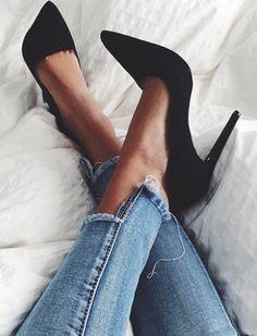 Black is always sexy #shoes #highheels www.ScarlettAvery.com