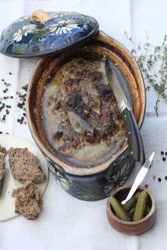 On Dine chez Nanou | Terrine aux foies de volaille de Michel Guérard | C'est toujours sympa de ressortir des vieux livres de cuisine et celui vient de ma grand-mère...