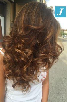 Capelli di stile. #cdj #degradejoelle #tagliopuntearia #degradé #igers #shooting #musthave #hair #hairstyle #haircolour #haircut #longhair #ootd #hairfashion