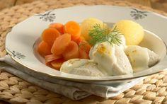 Oppskrift på Fiskeboller med hvit saus Norwegian Food, Seafood Recipes, Ice Cream, Eggs, Cheese, Fruit, Breakfast, Desserts, Jehovah