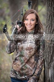 bow hunting senior picture