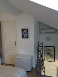 L'escalier de l'appartement vue de la chambre