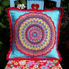 Love the colours Crochet Cushions, Crochet Pillow, Pillow Fabric, Cushion Fabric, Sewing Pillows, Crochet Tote, Crochet Handbags, Crochet Crafts, Crochet Mandala Pattern