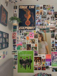 Indie Bedroom, Indie Room Decor, Cute Room Decor, Aesthetic Room Decor, Study Room Decor, Room Ideas Bedroom, Bedroom Decor, Bedroom Inspo, Room Ideias
