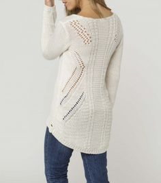 #SNOWFALL #SWEATER #oneillgirls #fall #fashion #winterwhite #knitted #favorite #fall2013