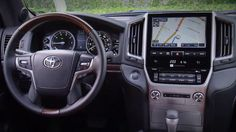 Toyota Land Cruiser 2016 Exterior, Interior and Drive