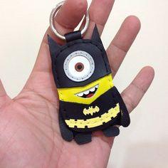 神偷奶爸 2 Despicable Me 2 Minion 小小兵 黑色 蝙蝠俠 黑衣服 Stuart 手工皮革 鑰匙圈 - 設計師品牌 leatherprince - Pinkoi